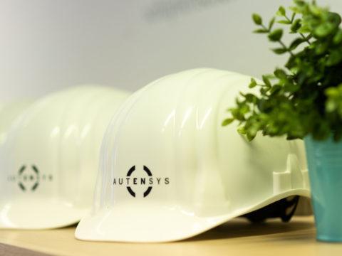 Autensys Helme. Sie helfen die Energiewende und Autarkie in Unternehmen zu erreichen.