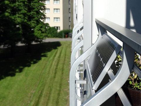 PV-Anlage an einem Balkon