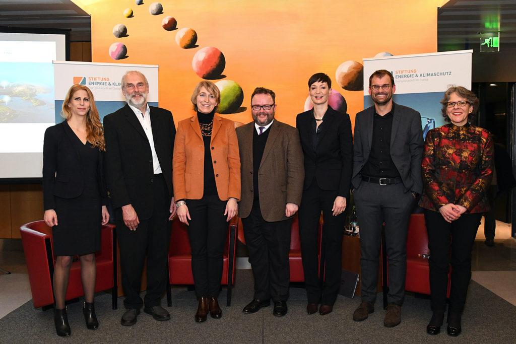 Debatte Wasserstoff: Podiumsgäste und Stiftungsvorstand