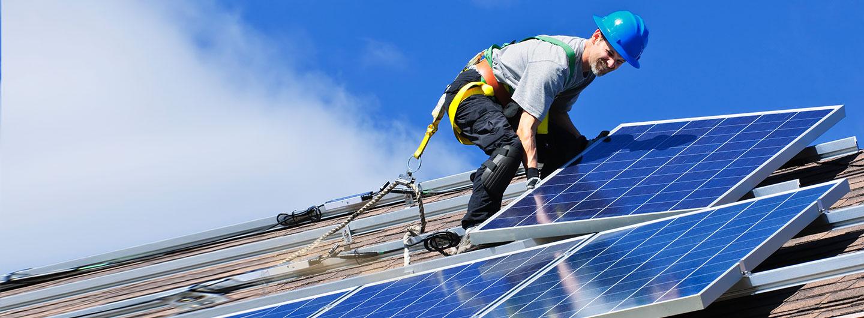 Installation PV-Anlage auf Hausdach Kosten