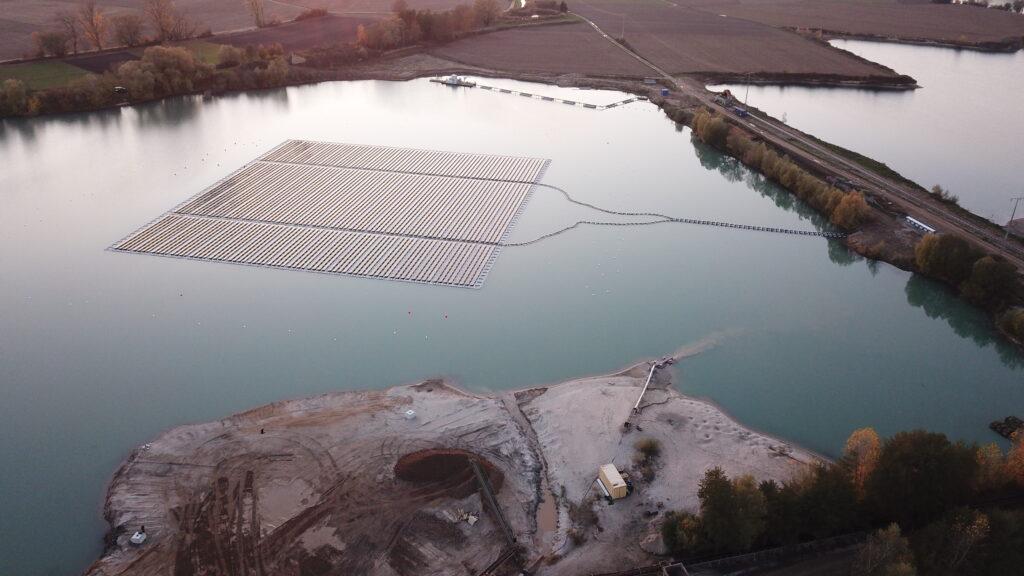 Schwimmende Photovoltaikanlage in Leimersheim